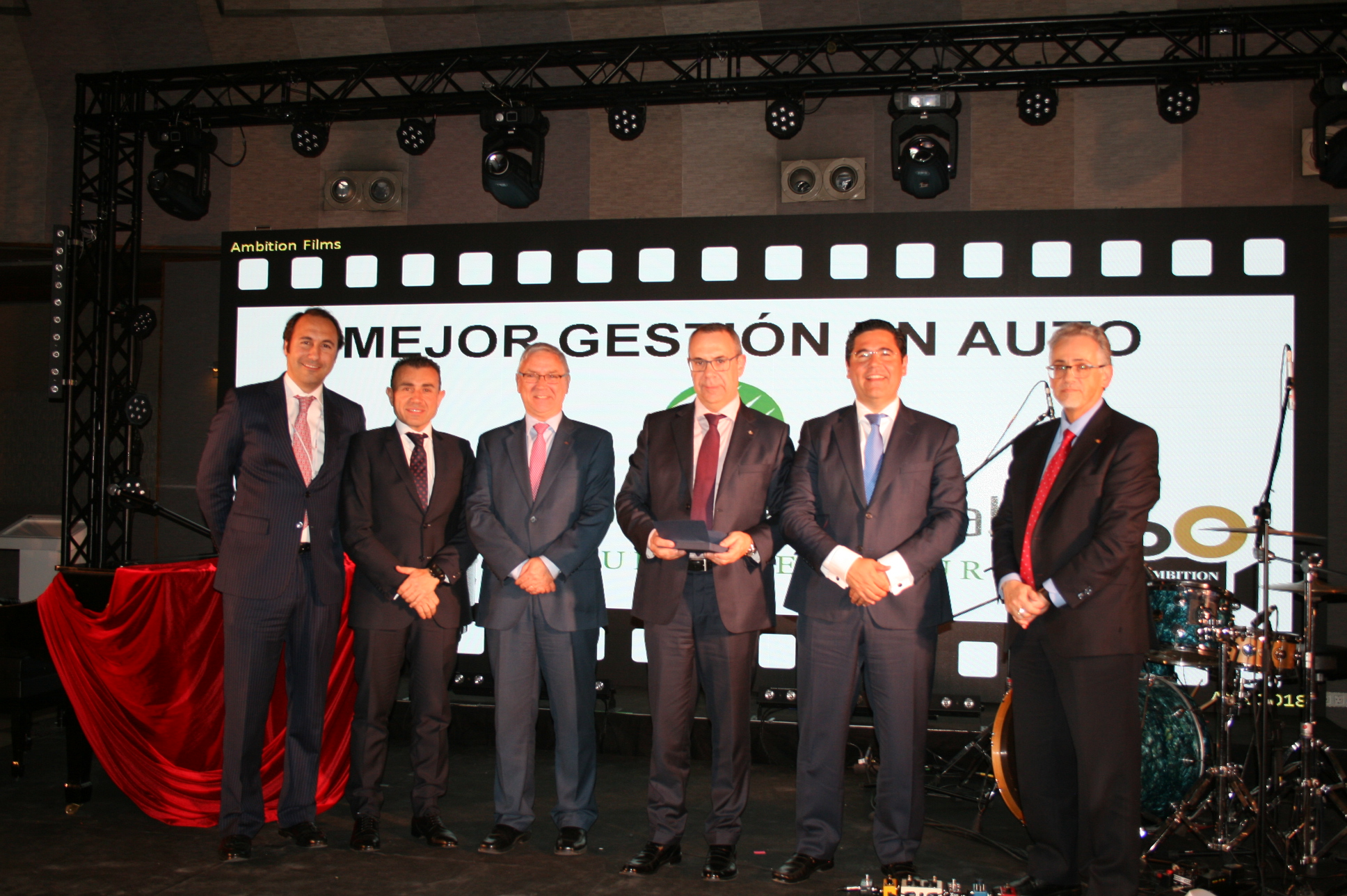 AXA premia a López Torrijos como la mejor Correduría de Seguros en gestión de Autos de España