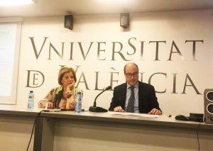 Pablo Faus imparte una conferencia sobre el futuro de las pensiones en la Universitat de Gandía