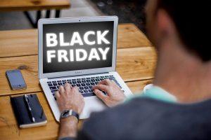 """Consejos para comprar """"seguro"""" y con cabeza en este Black Friday"""